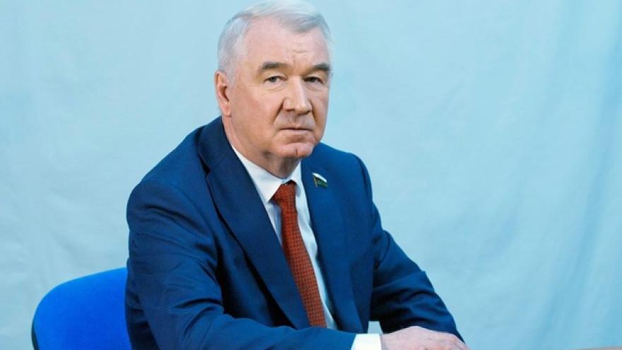 Председатель Тюменской облдумы Сергей Корепанов поздравил жителей Салехарда с Днём оленевода