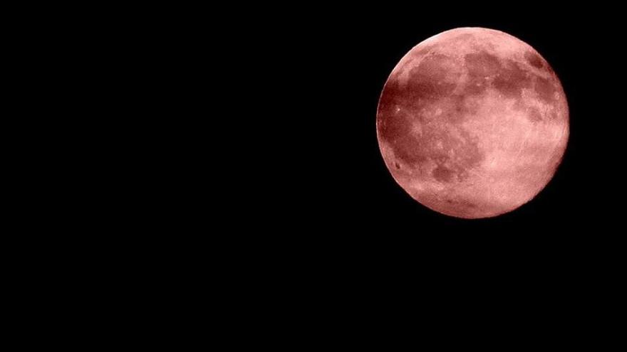 Розовая луна 2021: какие сюрпризы принесет полнолуние в апреле