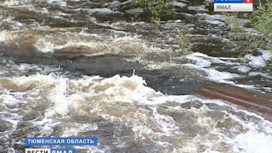 Разрушительная сила воды. Движение на трассе Тюмень-Ханты-Мансийск вновь приостановлено