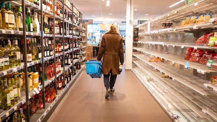 Общественники предложили продавать спиртное только за пределами населенных пунктов
