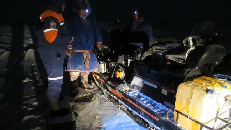 Ямальские спасатели искали мужчин, у которых в тундре сломался снегоход