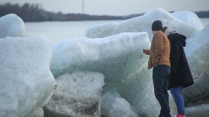 Специалисты назвали даты ледохода в районе Салехарда и Лабытнанги