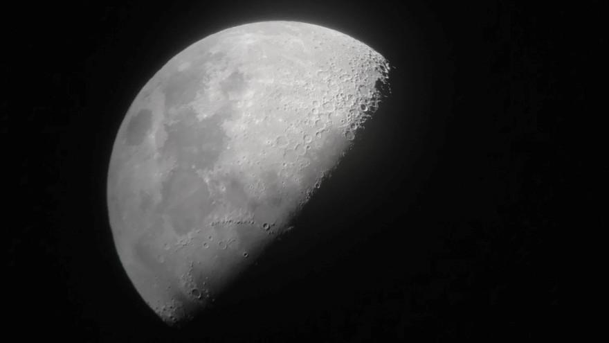 Очень скоро земляне смогут увидеть свидание Юпитера и Луны