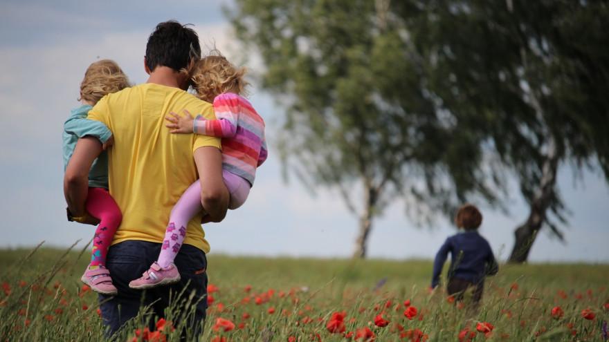 В России собираются расширить право многодетных семей на отпуск в удобное время