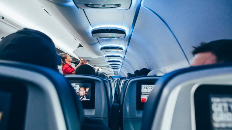 Несколько простых и надёжных советов, которые помогут перебороть страх летать на самолётах