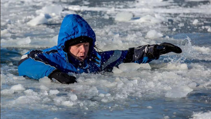 Коварный лёд: салехардцам грозит серьезный штраф за выход на опасную поверхность