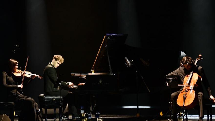 Талантливый российский неоклассик дал концерт в Салехарде