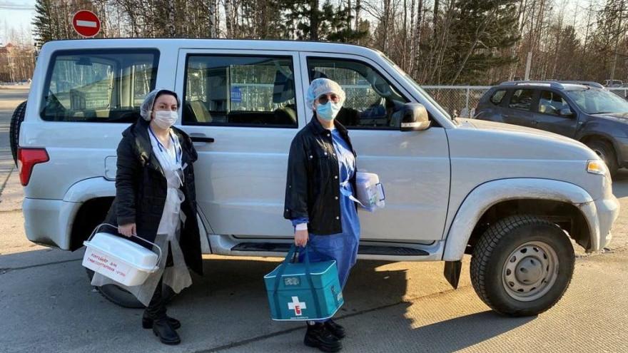 На Ямале у маломобильных пациентов появилась возможность вакцинироваться от коронавируса на дому