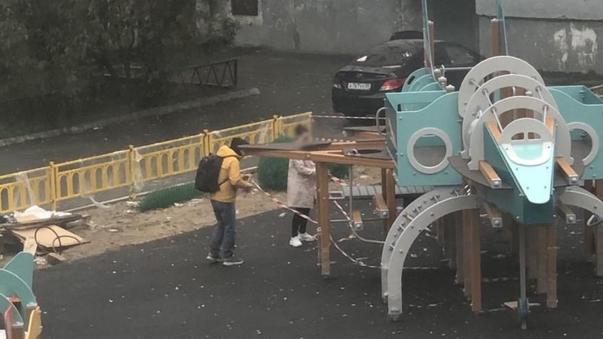 Чиновников накажут за фотосессию на недостроенной детской площадке в Надыме