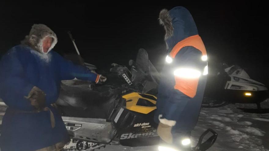 На Ямале двое мужчин остались посреди тундры без транспорта