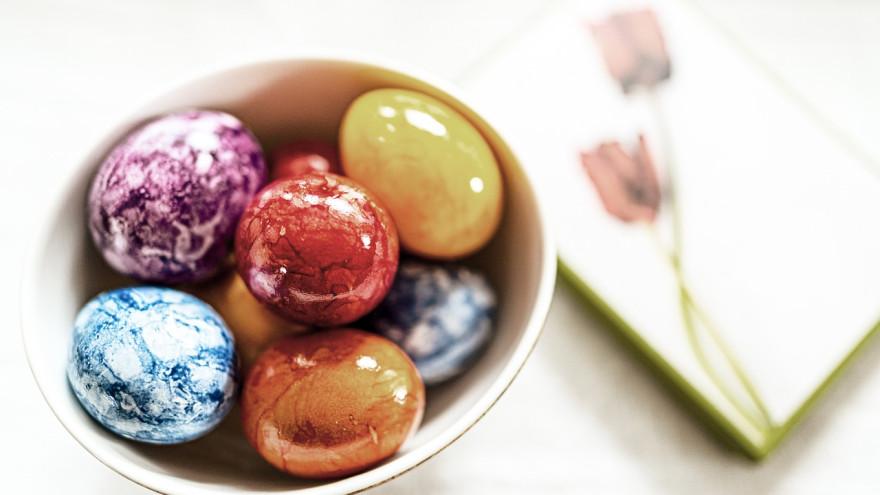 Как оригинально покрасить яйца на Пасху РЕЦЕПТ