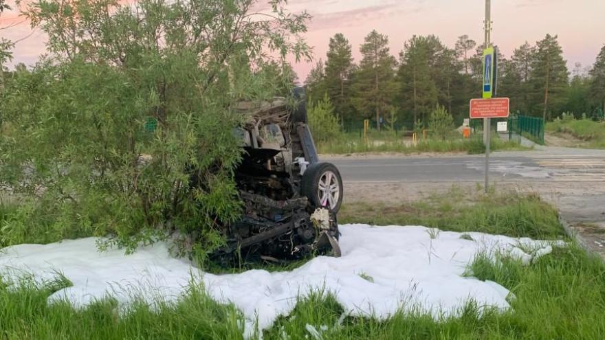На Ямале водителя иномарки госпитализировали после серьезного ДТП