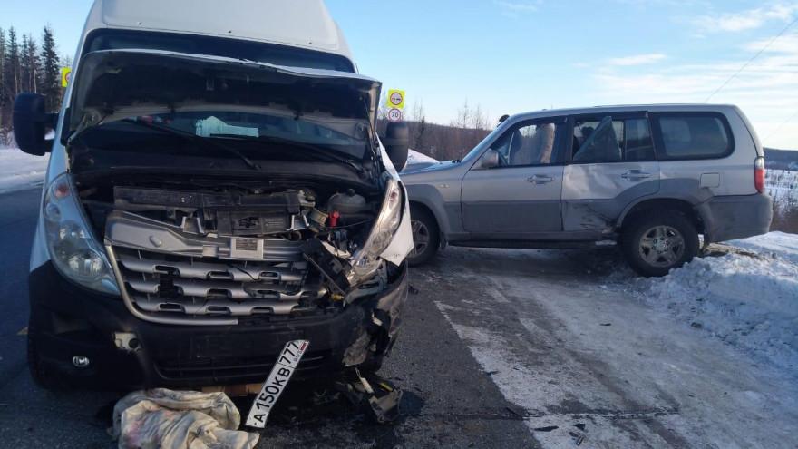 На дороге Лабытнанги-Харп столкнулись две иномарки: один человек госпитализирован