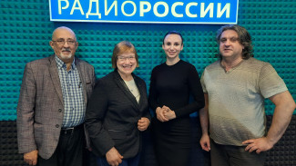 Ольга Лобызова и Юрий Морозов - о преодолении информационного кризиса в эпоху цифровизации