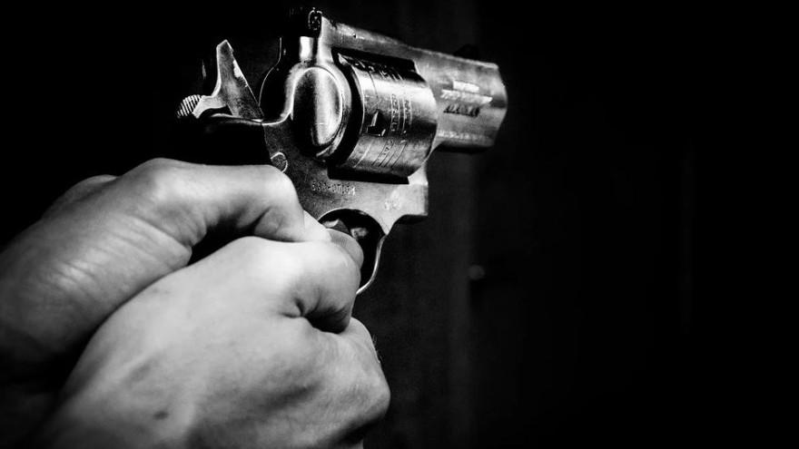 Сотрудник бара в Ноябрьске попытался застрелиться на рабочем месте