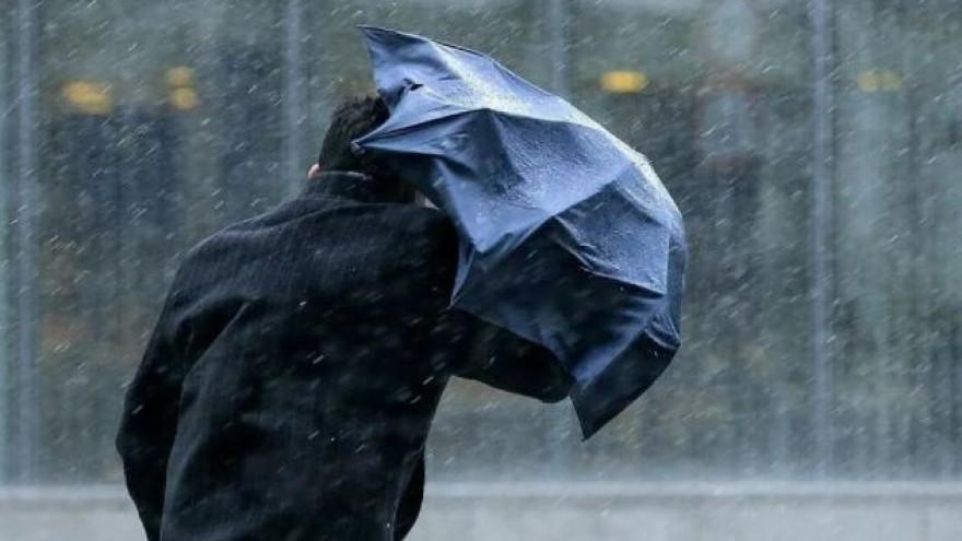 Погода на Ямале: синоптики прогнозируют штормовой ветер, сильные осадки и гололёд