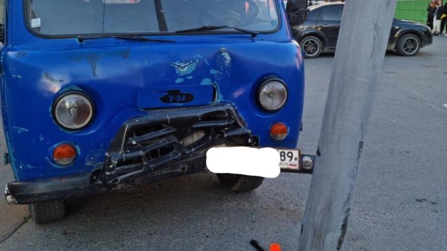 На Ямале пассажира «УАЗ» госпитализировали после ДТП