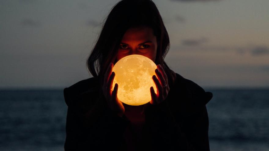 Полнолуние в августе 2021: что предвещает безумная Луна