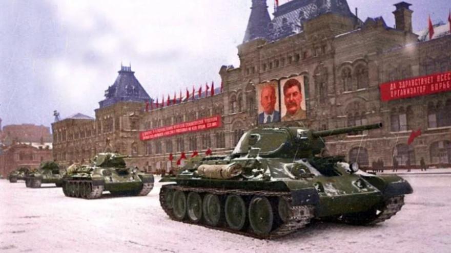 День в истории: переселение крестьян за Урал, чеканка медных монет и битва за Москву