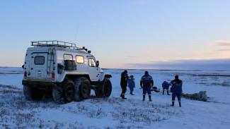 Нефтяники помогли мужчине, который сутки шел до промысла по тундре