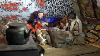 «Ключи от древних ремёсел»: третья серия цикла - о том, как в тундре сшить одежду из оленьих шкур