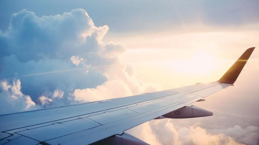 На Ямале приземлился самолет с поврежденным двигателем