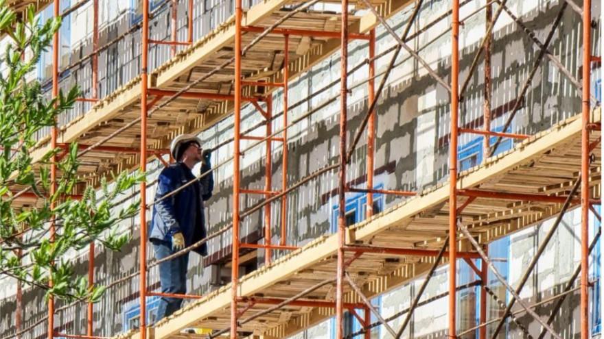 Губернатор Ямала поздравил строителей с профессиональным праздником