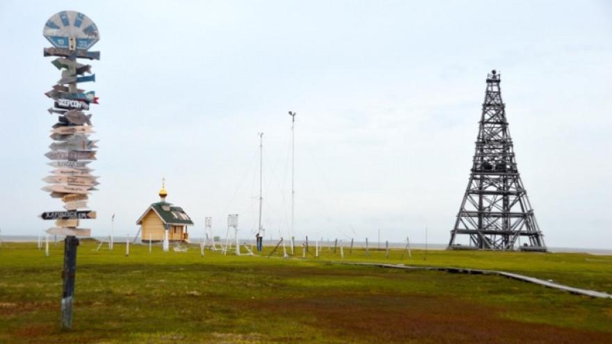 На остров Белый завезли новое оборудование для метеостанции