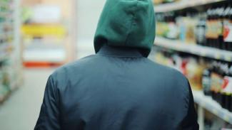 Вынесли товар и кассу: на Ямале два подростка пойдут под суд за ограбление магазина