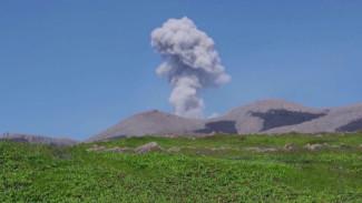 Вулкан Эбеко и тайны земли: ученые из Новосибирскастали свидетелями извержения