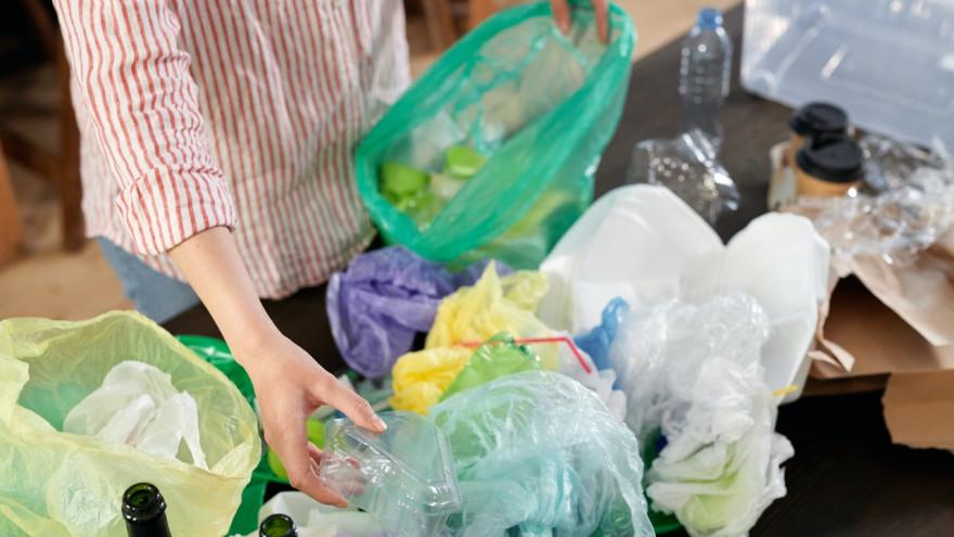 Микропластик: чем опасен и как уменьшить его количество в доме