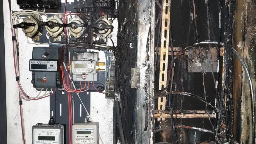 В Надыме мужчина оказался заблокирован в лифте во время пожара