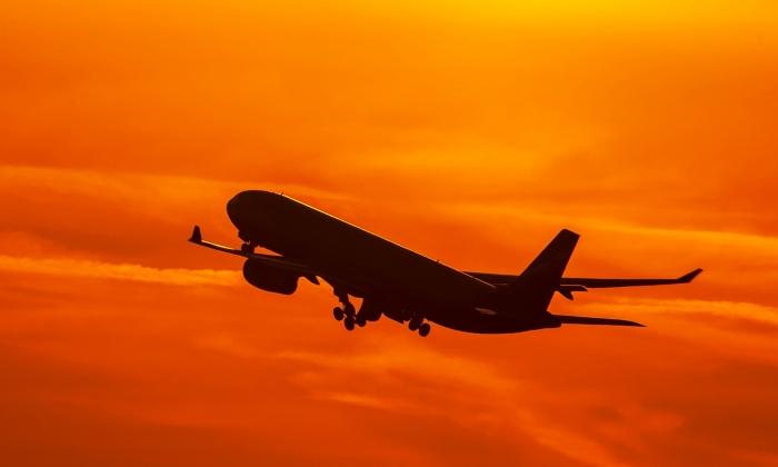 Самолёт авиакомпании «Ямал» экстренно приземлился в Самаре