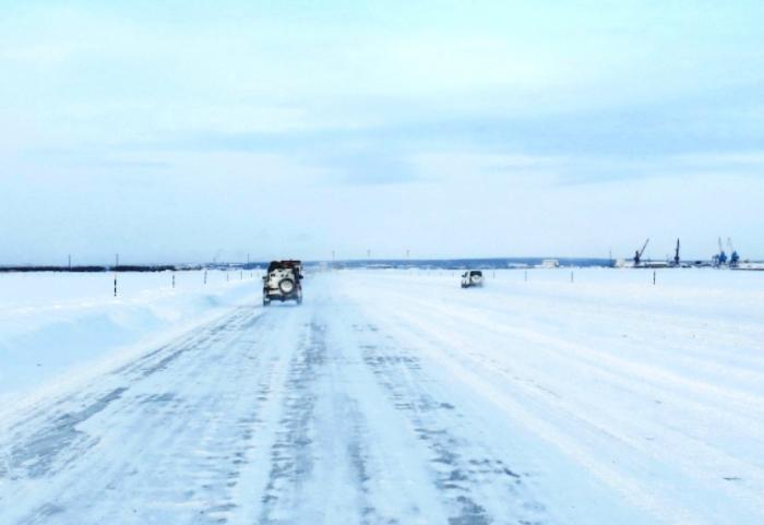 Сегодня открывается движение по трем полосам ледовой переправы Салехард-Лабытнанги