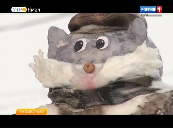 Шедевры с частичкой души: как жительница Тазовского создает снежные скульптуры?