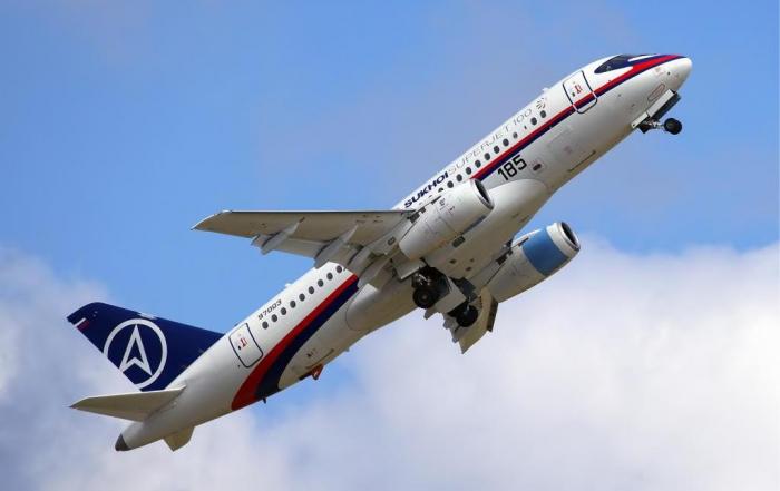 Авиакомпания «Ямал» получит еще 13 самолетов SSJ-100
