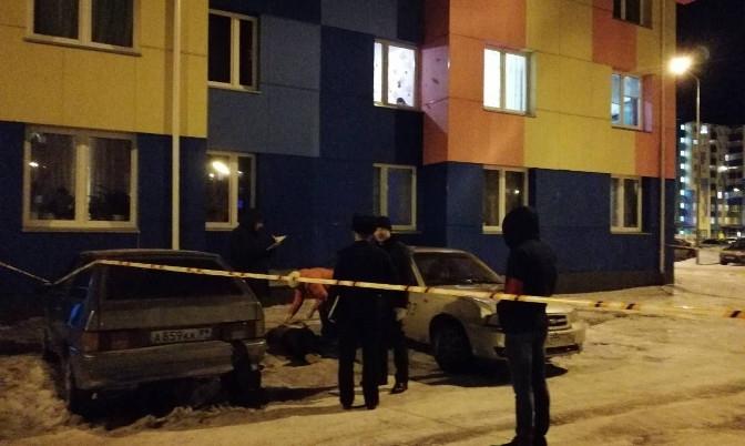 Мужчина, выпавший из окна 6 этажа в Ноябрьске, погиб по собственной глупости