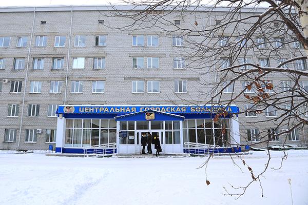 В Ноябрьске 11-летний мальчик упал с высоты третьего этажа. Ребенок в тяжелом состоянии
