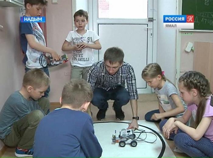 Прямиком на Марс:  роботов и других обитатели красной планеты создают юные изобретатели