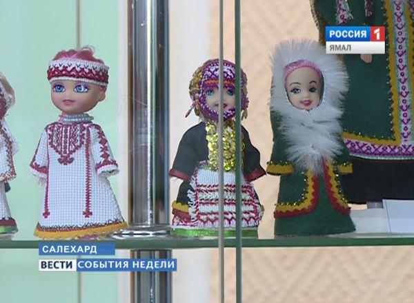 Куклы в марийском одеянии