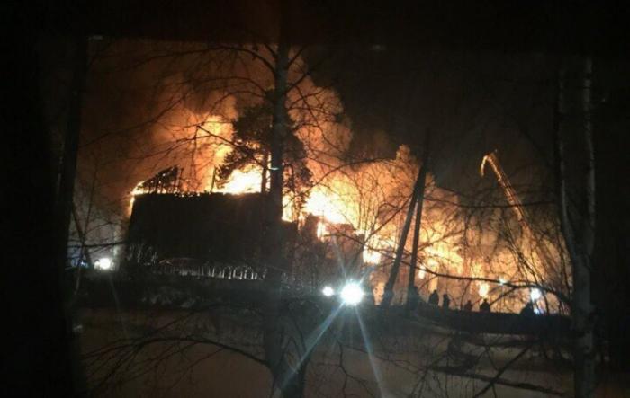 В Ноябрьске, где случился пожар по ул. Изыскателей, 19, в сгоревшем доме был обнаружен еще один труп