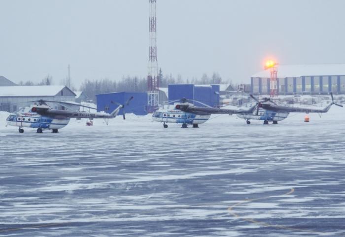 Из-за сильного ветра в Салехарде задерживается вертолётный рейс