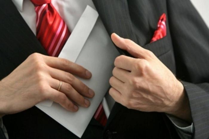 Ямальцев призывают сообщить о проявлениях коррупции