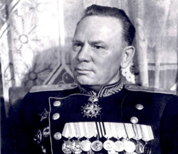 Монумент легендарному начальнику советской разведки Фитину открыли в столице