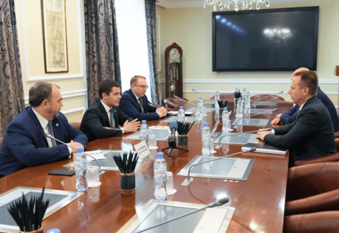 Глава Ямала и гендиректор «ЛУКОЙЛ-Западная Сибирь» обсудили деятельность компании в округе
