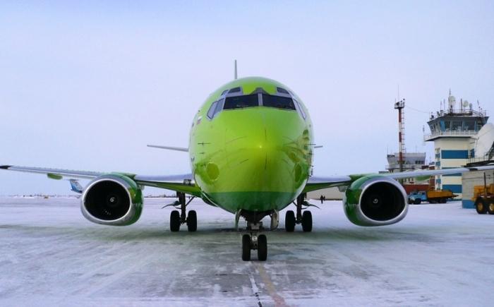 Самолет вНовом Уренгое выкатился запределы взлетной полосы