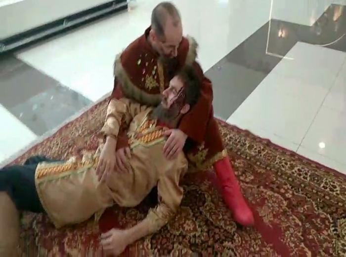 Посетители торговых центров Тюмени смогли увидеть ожившие картины знаменитых русских художников