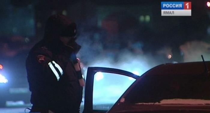 В Салехарде пьяный водитель вылетел в кювет на угнанном внедорожнике