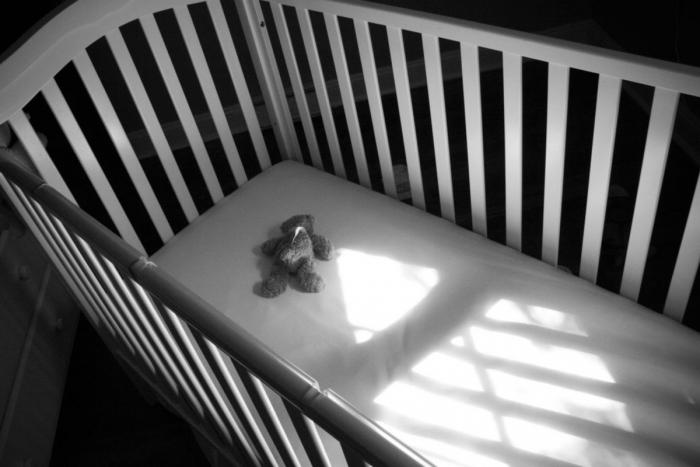 «Сдавил голову руками». За жестокое убийство 3-месячной дочери ямальца осудили по всей строгости закона