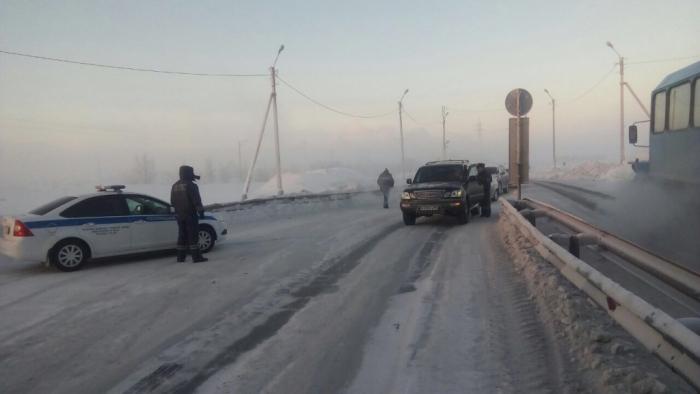 На загородных трассах округа из-за морозов начали формировать автоколонны. Движение небезопасно!